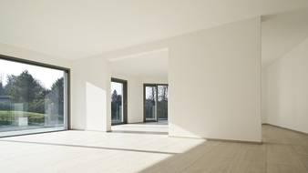 Rola izolacji akustycznej okna w obiektach komercyjnych