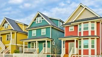 Domy jednorodzinne na wsi i w mieście
