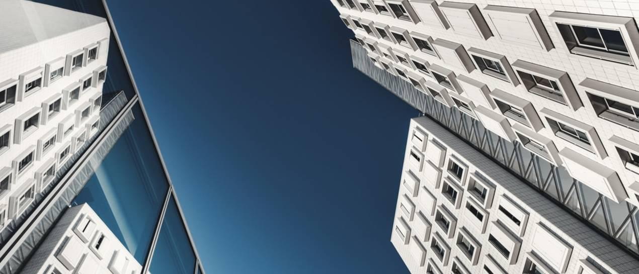 Rynek mieszkań i kredytów: Bardzo dobry I kwartał z fatalną końcówką