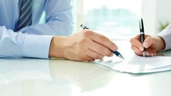 Czy osoba niewidoma może podpisać u notariusza umowę kupna mieszkania?