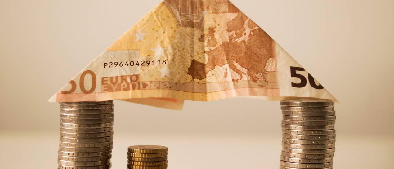 Na Polaka przypada już 11 500 zł mieszkaniowego długu