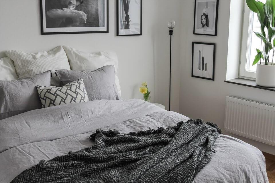 Letnie aranżacje - kolory lata w sypialni